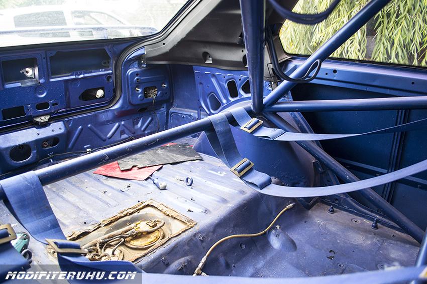 renault-19s-rally-car